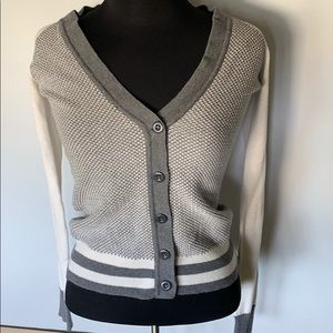 Between me & you / Grey & White Cardigan